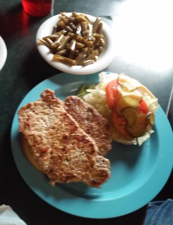 mann's grill 038